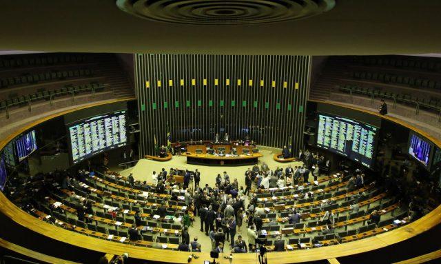 Congresso derruba veto de Bolsonaro e amplia alcance do BPC