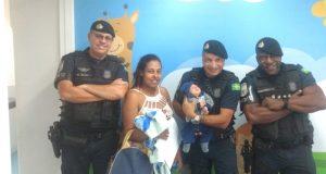 GCMs salvam vida de bebê engasgado em Carapicuíba