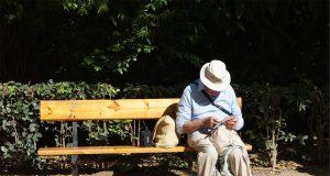 idosos nas ruas