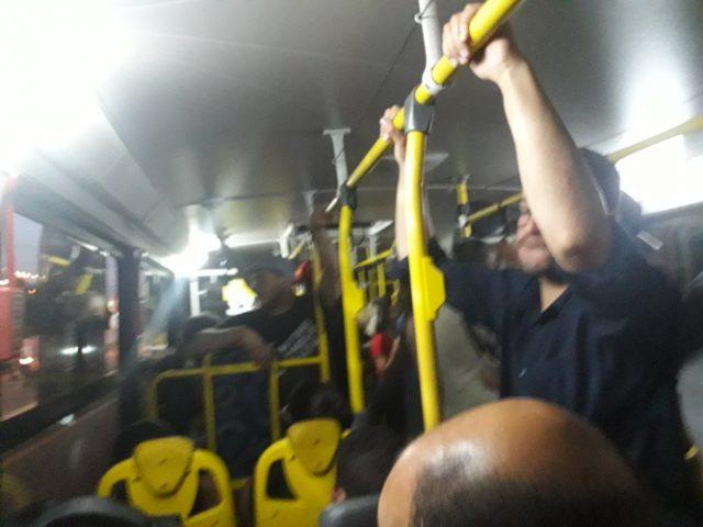 ônibus cheio coronavírus
