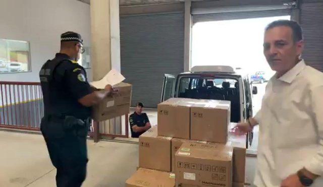 Prefeitura de Cotia é obrigada a devolver respiradores retirados de fábrica pelo vice-prefeito