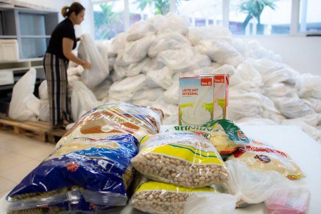 Barueri amplia distribuição de cestas básicas
