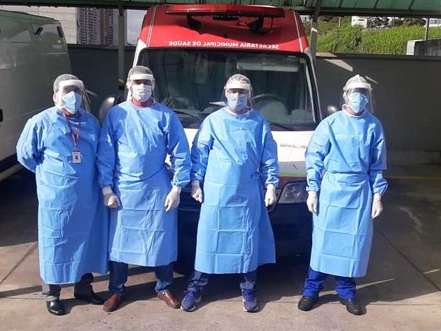 profissionais da saúde de barueri recebem 10 mil protetores faciais brasilgrafica