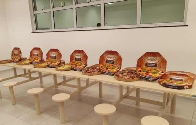 comerciantes de Barueri doam pizzas aos profissionais da saúde do ps