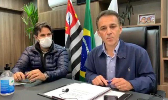 """""""Se não conseguirmos êxito nas negociações vamos judicializar essa causa"""", diz prefeito de Cotia ao citar tentativa de flexibilizar quarentena"""