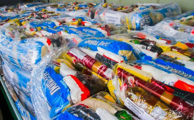 Osasco recebe cestas básicas do atacadão