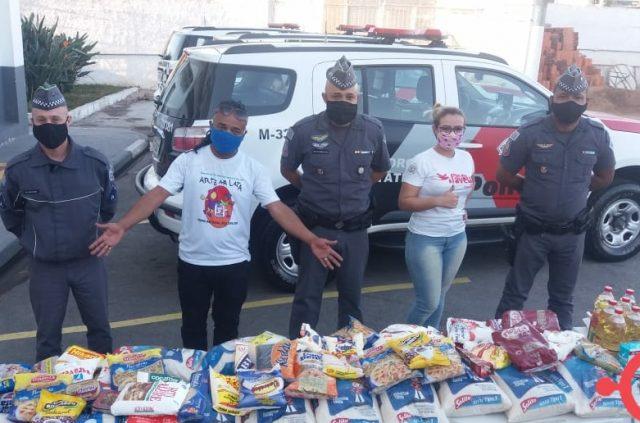 PM de Carapicuíba doa 300 kg de alimentos para ONG que atende centenas de famílias carentes