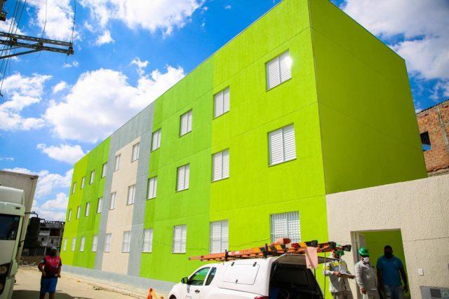 Prefeitura de Osasco entrega apartamentos para moradores do Rochdale