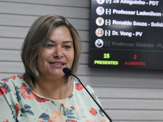 Neia Costa Carapicuíba