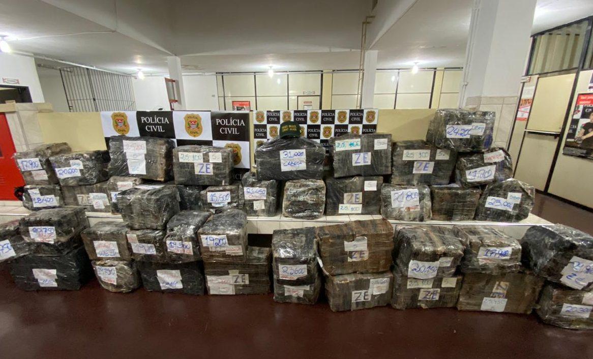 polícia prende mais de 1 tonelada de maconha em Jandira