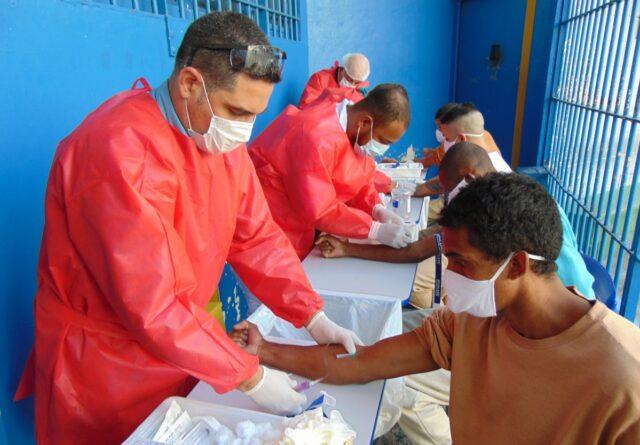 Instituto Butantan está à frente da coleta testes covid-19 presídios