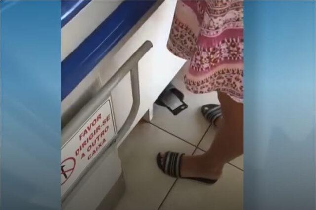Dono de mercadinho coloca celular no pé para gravar por baixo de saia das clientes
